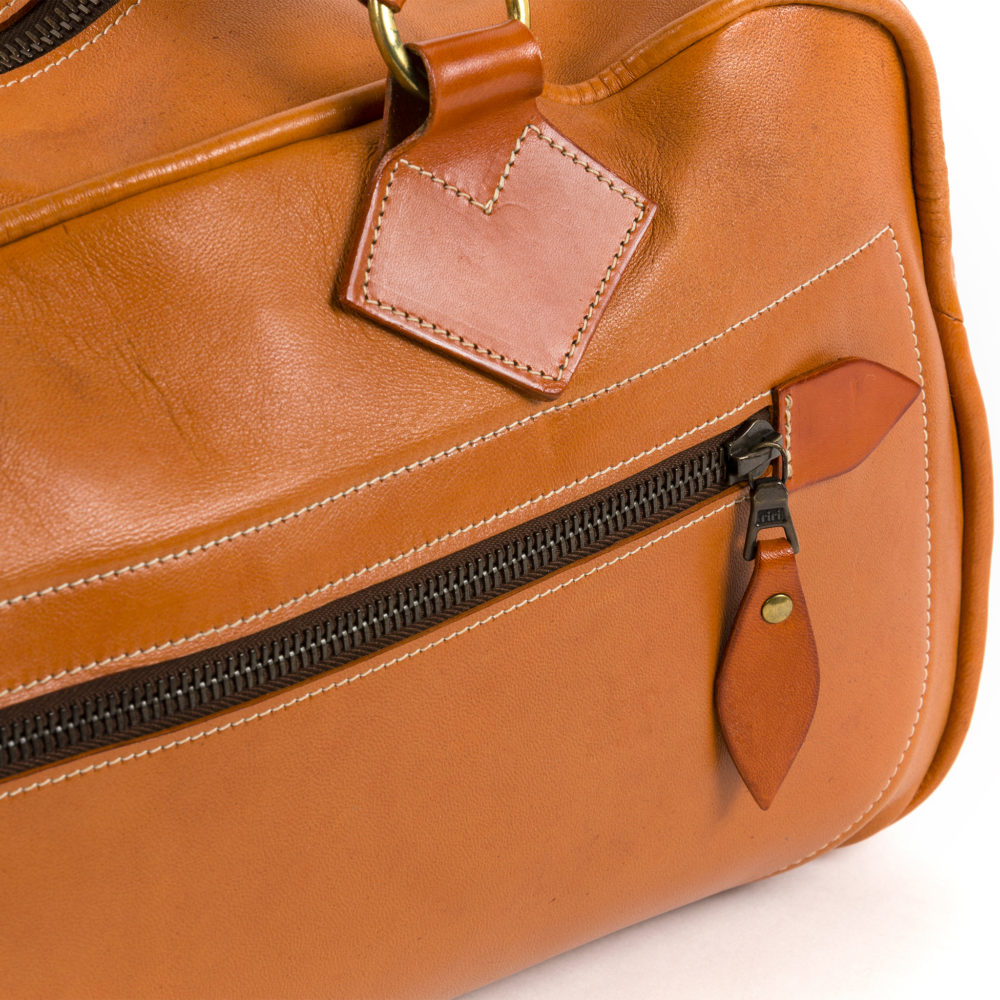 Travel Bag - Glossy leather - Orange color
