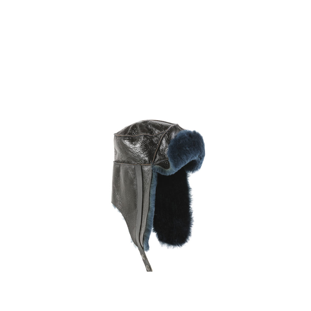 Chapka - Varnished shearling - Blue color