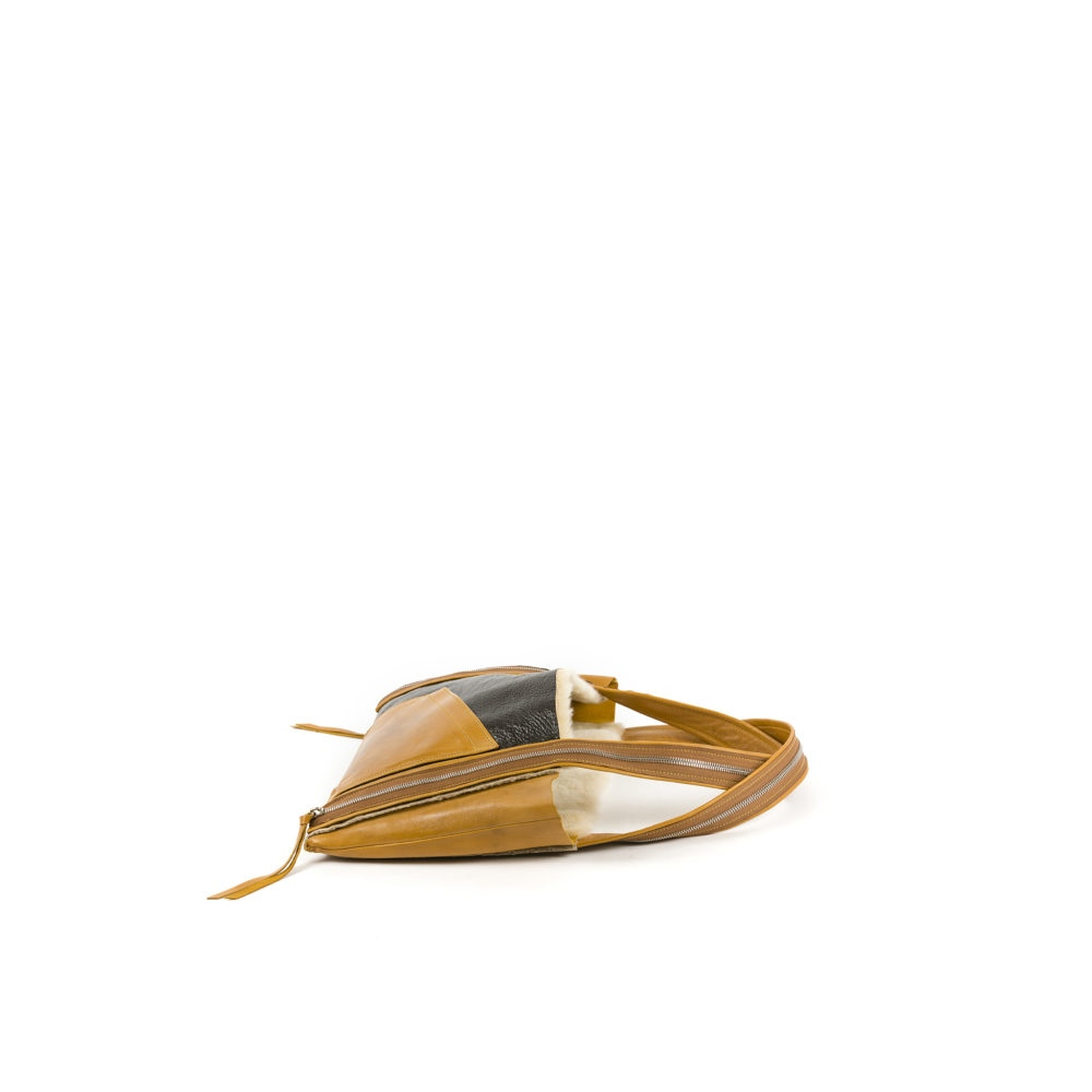 B3 Bag - Varnished shearling